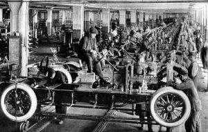 linha de produção antiga de carros